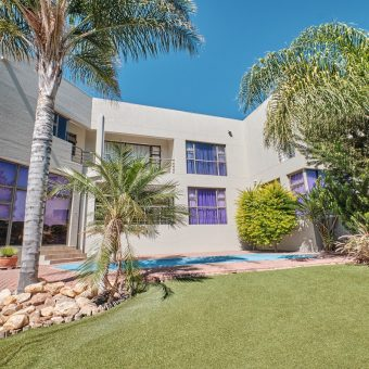 Magnificent Villa COVID-19 Viewing Restrictions! Just listed!!!