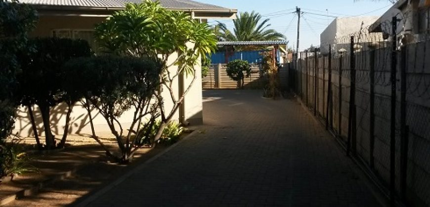 SUIDERHOFF – FREE STANDING HOUSE TO RENT
